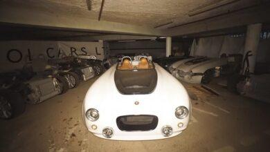 Photo of Zbulohet garazhi i braktisur dhe i mbushur me makina klasike luksoze