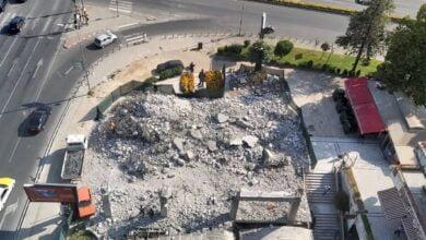 """Photo of """"Lufta"""" kundër ndërtimeve joligjore përfundoi aty ky filloi, te qendra tregtare Mavrovasja"""