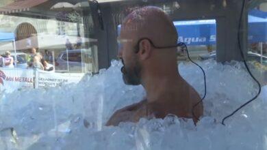 Photo of Rekord, 42-vjeçari qëndroi në akull mbi 2 orë