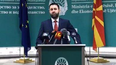 Photo of Hoxha: Po bëjmë përpjekje për të ndihmuar vreshtarët