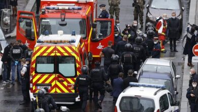 Photo of Shtatë të arrestuar pas sulmit me thikë që ndodhi afër ish-zyrave të Charlie Hebdo