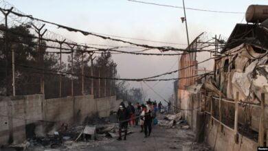Photo of Zjarri shkatërron kampin më të madh të migrantëve në Greqi – ALSAT-M