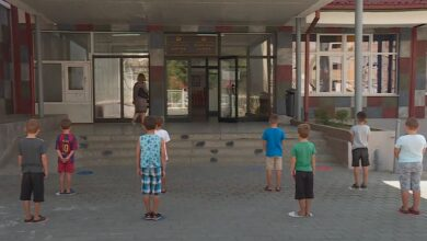 """Photo of Në prag të vitit të ri shkollor,  probleme rreth mësimit """"online"""""""