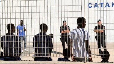 Photo of Greqi, izolohen tre kampe migrantësh