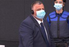 Photo of Nasim Haradinaj paraqitet në sallën e gjyqit në Hagë