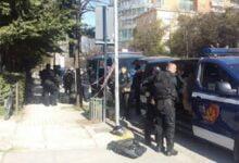 Photo of Plas arma në Elbasan, qëllohet mbi policinë