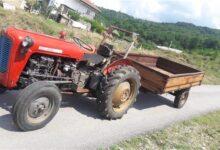 Photo of Një 30-vjeçar humb kontrollin e traktorit dhe plagoset për vdekje