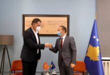 Photo of Ministria e Shëndetësisë në Kosovë: Do të rishikojmë masat për qarkullim me Maqedoninë