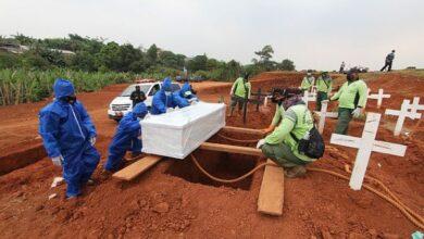 Photo of Dënimi i rrallë: Kush nuk mban maskë, do të hapë varre