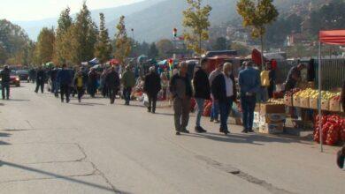 Photo of Tregjet e Tetovës përplot me njerëz që nuk i respektojnë rekomandimet shëndetësore