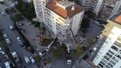 Photo of Tërmeti në Turqi, 3 vinça parandalojnë shembjen e ndërtesës