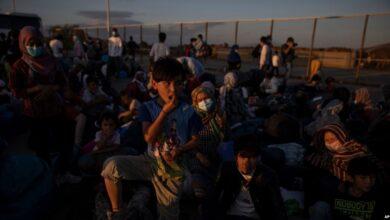 Photo of SHBA, administrata Trump kufizon më tej pranimin e refugjatëve