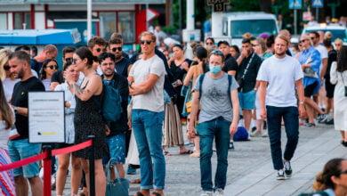 Photo of Suedia planifikon të zbusë masa kufizuese për të moshuarit