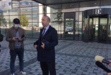 Photo of Avokati i të dyshuarit për vjedhjen e mbi 2 milionëve: Nuk ka prova që ai e kreu transaksionin