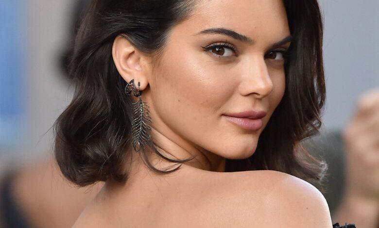 Thashethemet dolën të vërteta, Kendall Jenner zyrtarizoi