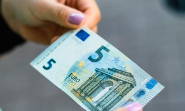 kartemonedha-5-euro-qe-ka-vlere-500-euro-kontrolloni-a-e-keni-nje-te-tille